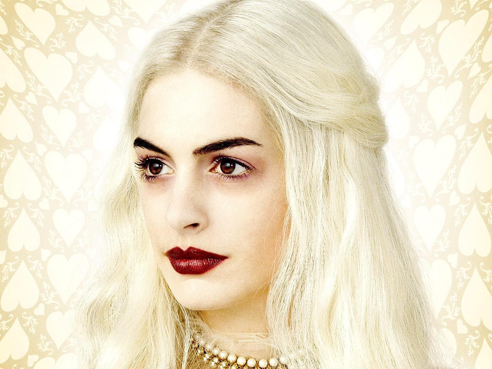 anne hathaway white queen -#main