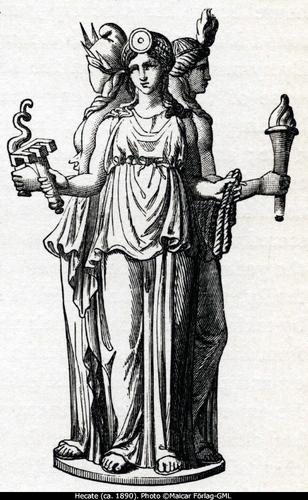 Hecates Statue in Cals Camper バン