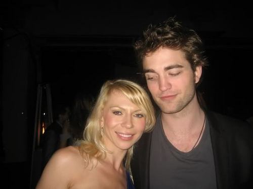 rob with fan