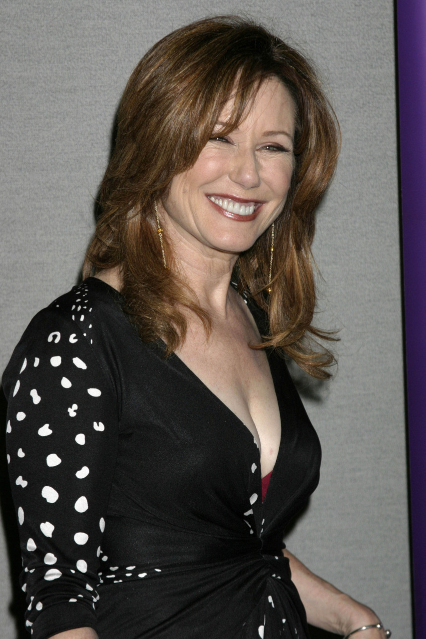 Mary mcdonnell mary mcdonnell mary mcdonnell photo 23213880 fanpop