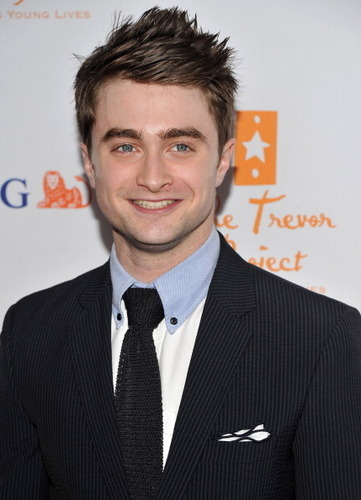 daniel radcliffe fondo de pantalla with a business suit, a suit, and a rayado, tela a rayas called 2011: Trevor Hero award