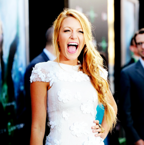 Blake Lively wallpaper possibly containing a cocktail dress entitled Blake Lively.