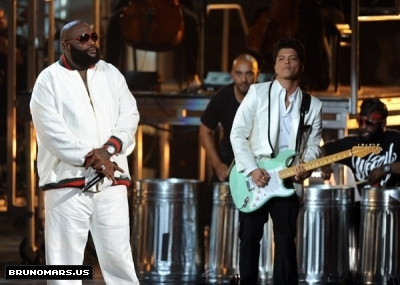 Bruno BET awards 2011 (4)