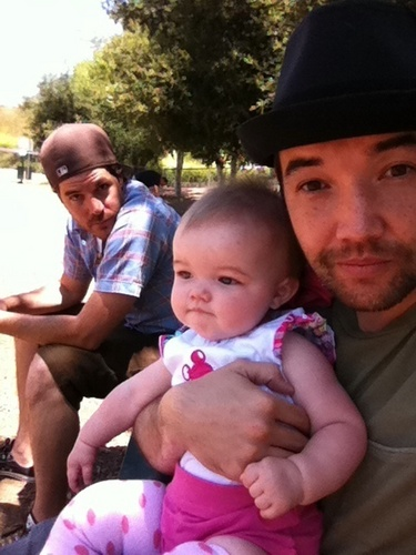 Doug Robb, Dan Estrin and Doug's little girl 목련
