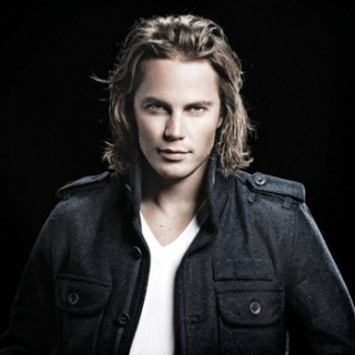 Taylor Kitsch wallpaper containing a trench coat and a pea jacket titled Taylor Kitsch