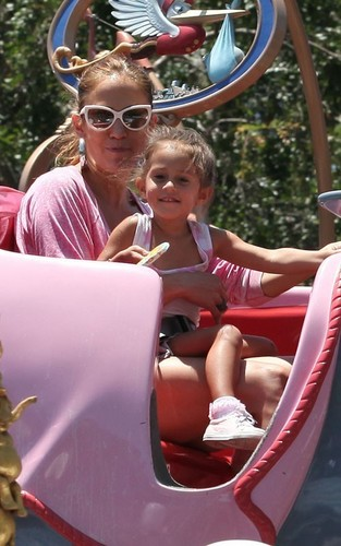 Jennifer Lopez at Disneyland with the twins (June 25).