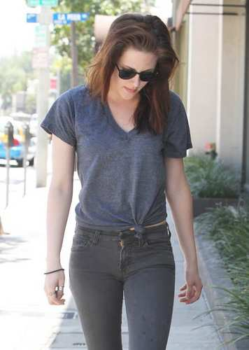 Kristen Stewart going to Yoga Class in LA