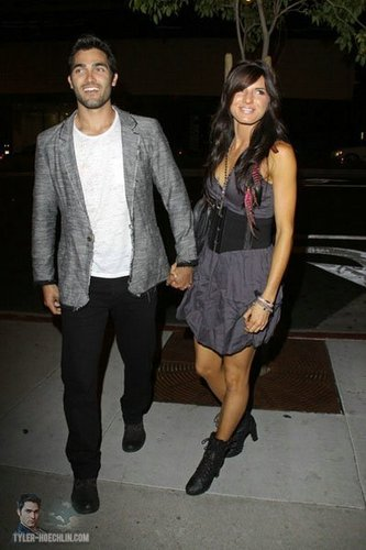 Tyler Hoechlin karatasi la kupamba ukuta containing a hip boot called Leaving 2011 MTV Movie Awards After Party