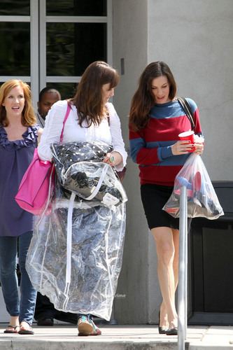 Liv Tyler leaves the Chelsea Lately toon in Hollywood, Jun 28