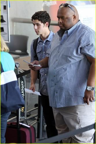 Nick Jonas: Taking Off Again...(06.26.2011) !!!
