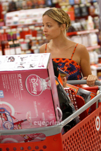 Nicole Richie shops at Target in Hollywood, June 27