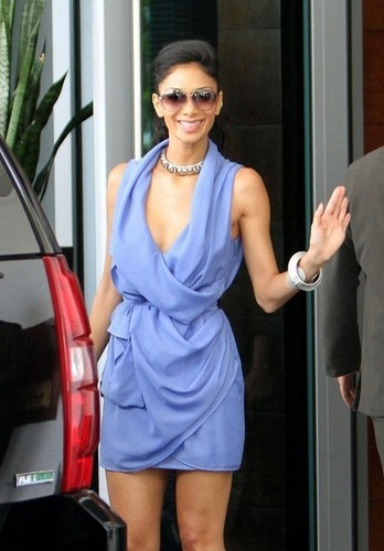 Nicole Scherzinger in South 바닷가, 비치 2