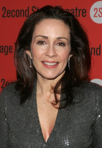 Patricia Heaton karatasi la kupamba ukuta containing a portrait called Patricia Heaton