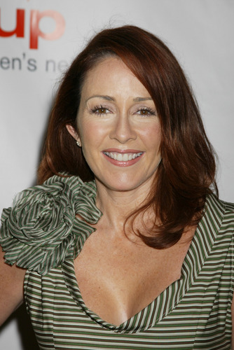 Patricia Heaton karatasi la kupamba ukuta containing a portrait entitled Patricia Heaton