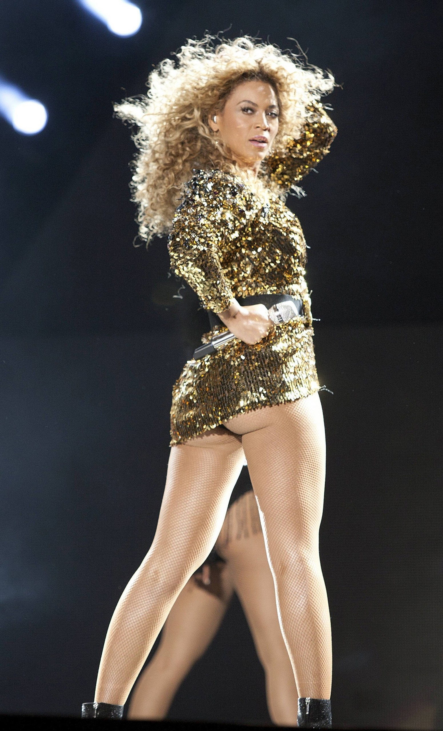Performs At Glastonbury Festival