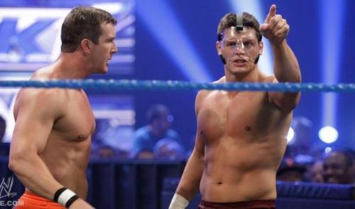 Rhodes vs Bryan on Smackdown