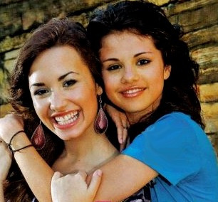 Selena Gomez and Demi Lovato <3