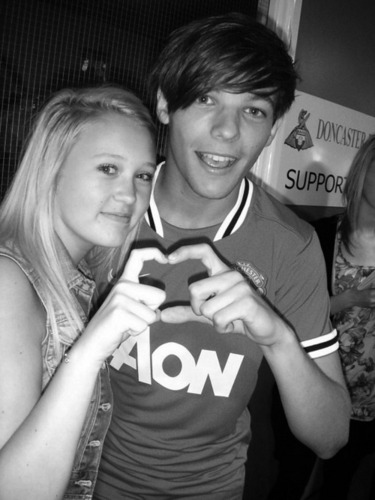 Sweet Louis Wiv A fan After Playing A Football Game In Doncaster! 100% Real ♥