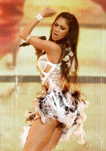 니콜 셰르징거 바탕화면 containing a portrait called hot nicole scherzinger