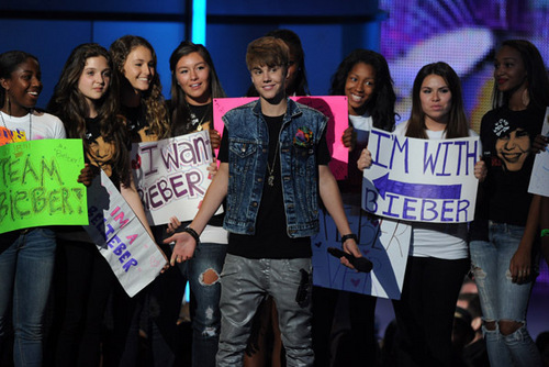 justin bieber &the beliebers!