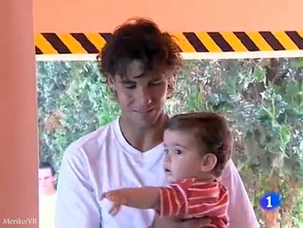rafa and child 2011 - Rafael Nadal Photo (23272601) - Fanpop