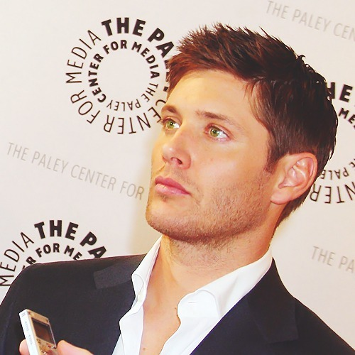 *drool* - jensen-ackles Photo