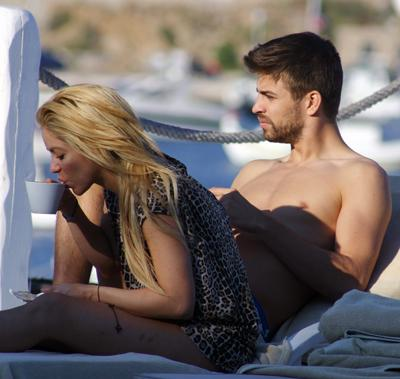 2011 Piqué in Greece with shakira !