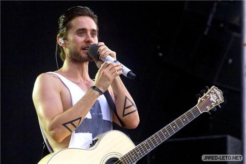 30 Seconds to Mars at the Peace & Love Festival - June 30 - jared-leto Photo
