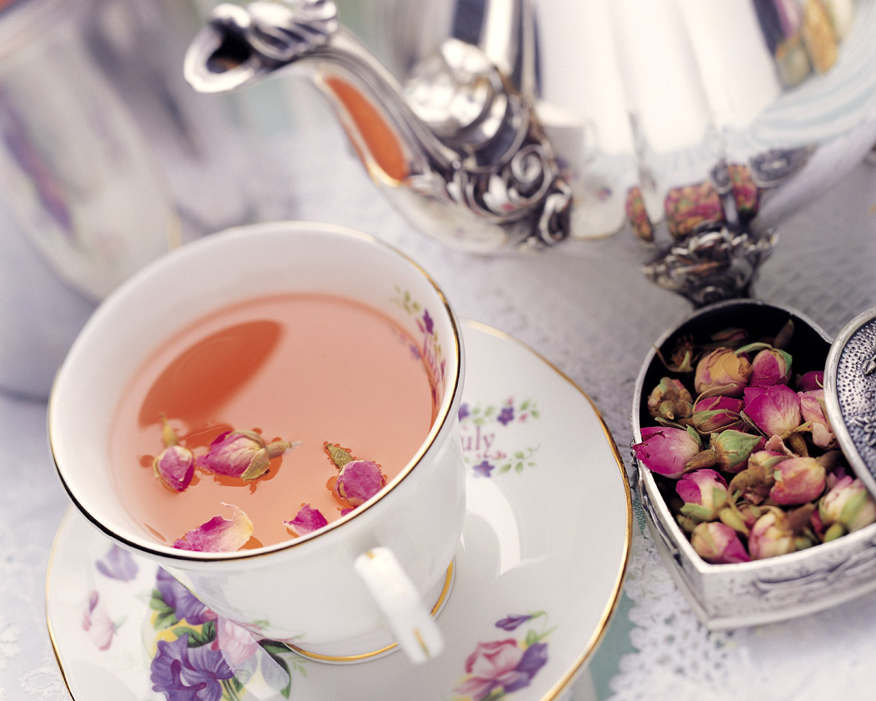 comment title cup tea And that's exactly what dubai did on the evening of january 25 at the global village when it claimed the title of 'largest cup of tea in the.