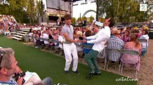 Alex and Didrik dancing
