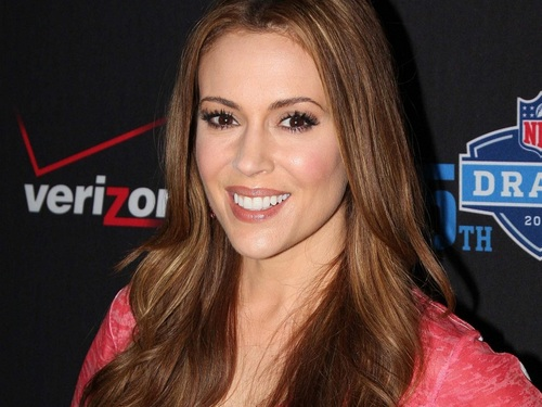 Alyssa Milano wallpaper containing a portrait called Alyssa Milano Wallpaper