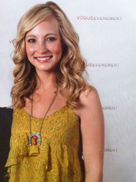 Another photo of Candice at the 'Mystic Love' convention in Nimes! [02/07/11]