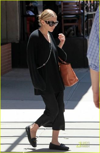 Ashley Olsen: Black in the Big apple