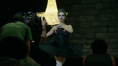 Natalie Portman wallpaper probably with a street and a cross entitled Black Swan
