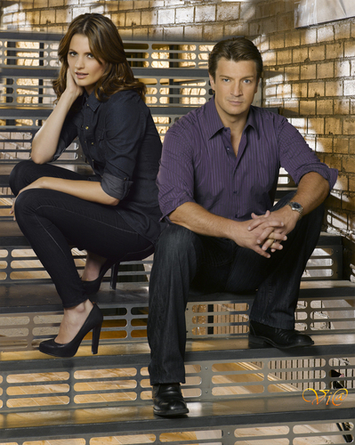 Castle wallpaper containing a business suit and a street entitled Castle/Beckett