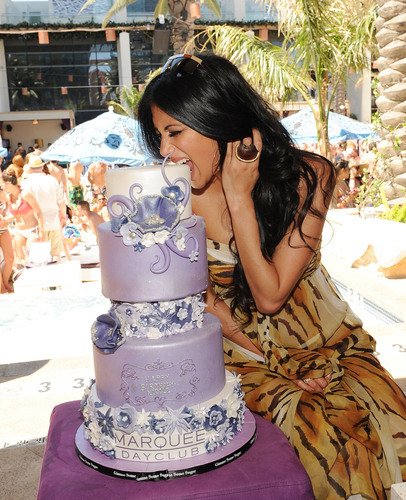 Celebrates Her Birthday At Marquee Nightclub And Dayclub 25 06 2011