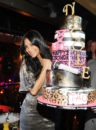 Celebrates Her Birthday At TAO Nightclub At The Venetian 25 06 2011