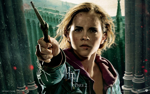 Hermione Granger wolpeyper titled Deathly Hallows Part II Official mga wolpeyper