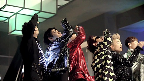 Hands up - men-of-kpop Screencap
