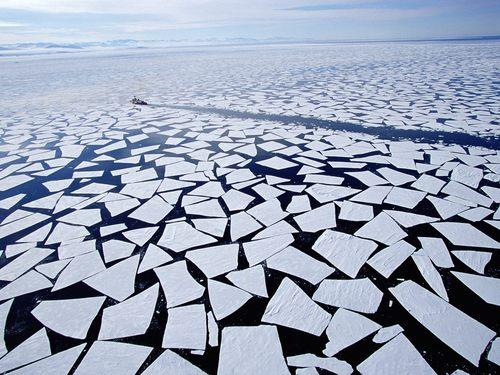 Icebreaking McMurdo Sound