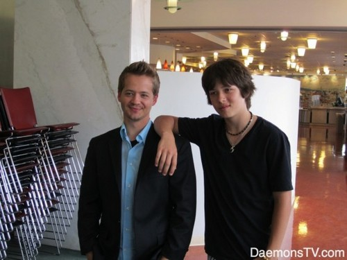 Kickin' It wallpaper containing a business suit called Jason Earles and Leo Howard
