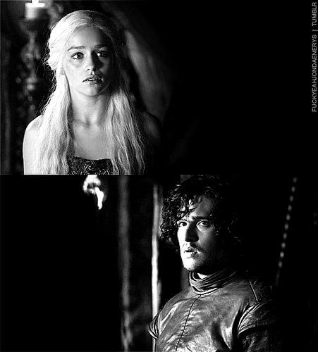 Jon & Daenerys wallpaper possibly with a sign, a concert, and a portrait called Jon & Daenerys