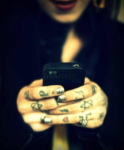 Kat Von D wallpaper entitled KATS PHONE