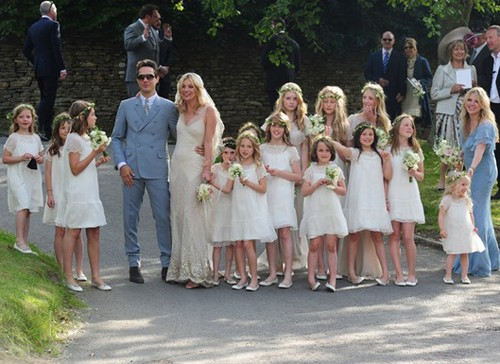 Kate Moss and Jamie Hince on their wedding siku (July 1)
