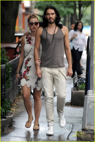 Katy Perry & Russell Brand: Biking in NYC!