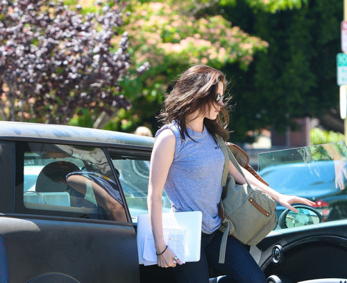 Kristen Stewart is seen heading into an office building in L.A, Jun 30