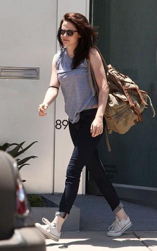 Kristen Stewart out for a workout (June 30).