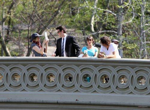 Lea & Cory filming ग्ली in NYC