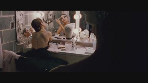 Mila Kunis achtergrond entitled Mila Kunis as Lily in 'Black Swan'