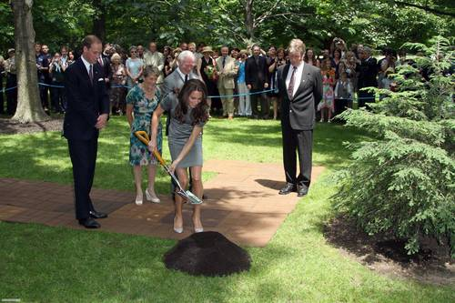 مزید تصاویر from the درخت planting ceremony at Rideau Hall, Canada! [HQ]